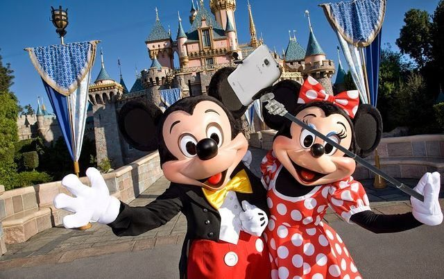 walt-disney-world-officially-bans-selfie-sticks-on-all-rides-but-not-in-the-park-346242