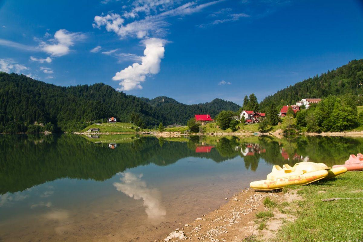 Lacul-Colibita-04