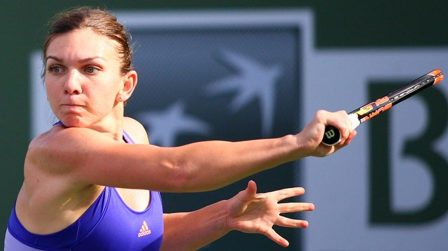 A fourth round match between Simona Halep and Karolina Pliskova on Stadium 3 at the Indian Wells Tennis Garden in Indian Wells, California on Tuesday, March 17, 2015. (Photo by Grace Donnelly/BNP Paribas Open)