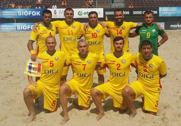picture-fotbal+pe+plaja+romania+estonia.jpg-604-423-1-85