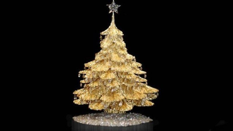 Steve-Quick-Jeweler-Christmas-tree-710x400