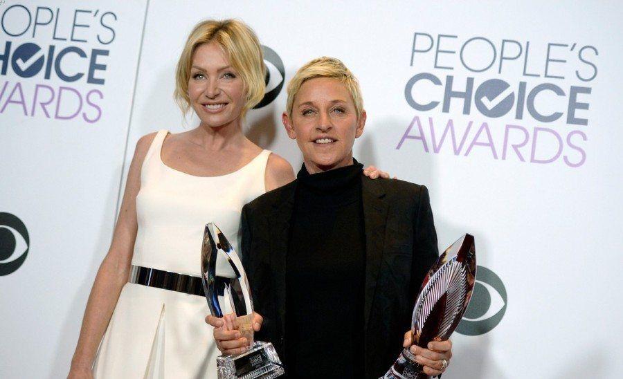 ellen-degeneres-peoples-choice-awards-2016-12